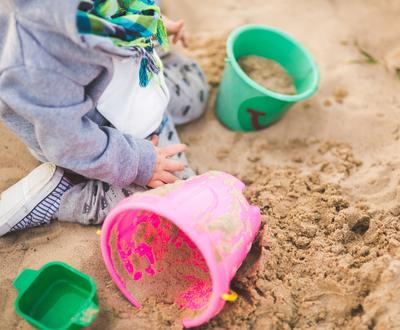 sand summer outside playing 111914392827